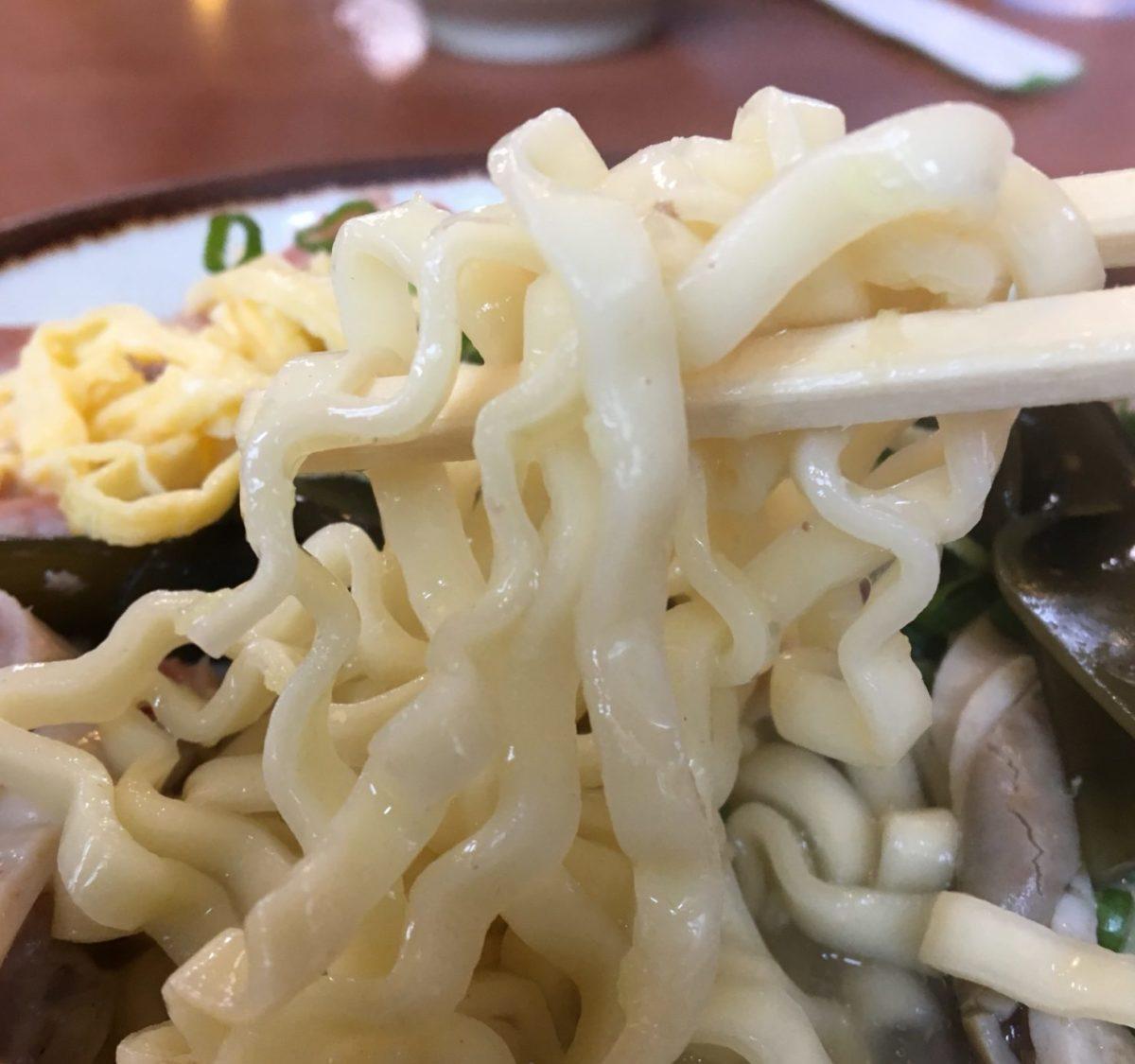 高江洲そば 麺