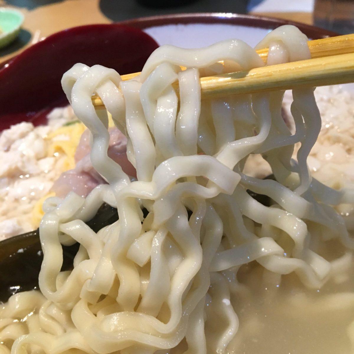 高江洲そば 牧港店 麺