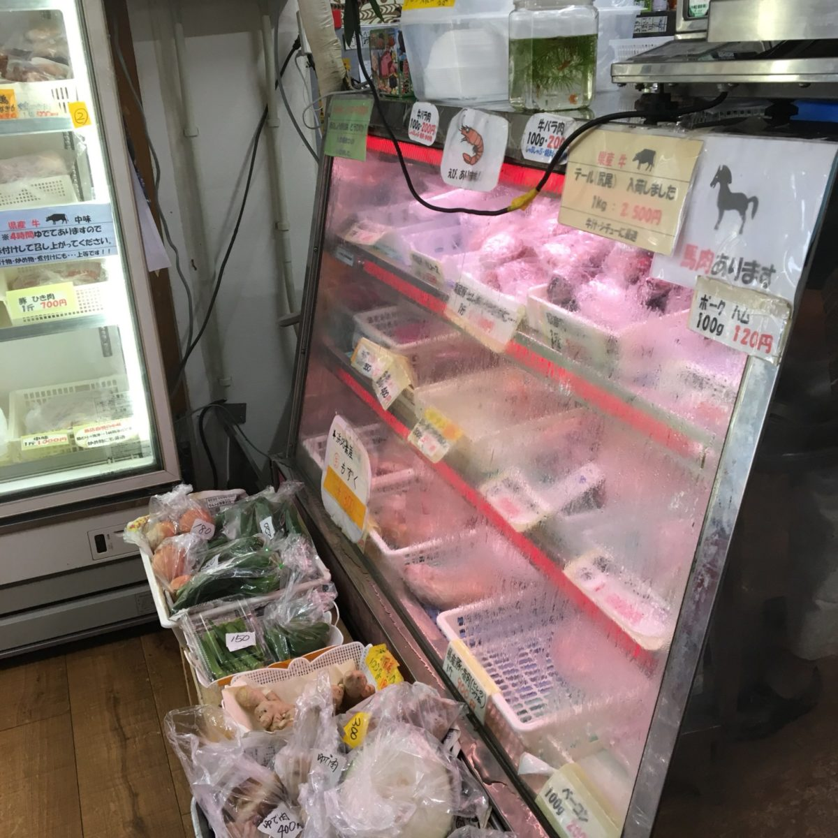 お肉の店 仲村 店内
