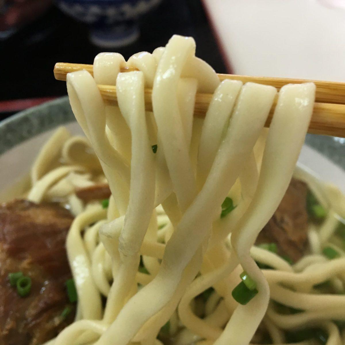 沖縄そば鶴亀 麺
